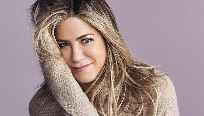 Jennifer Aniston fans figure she might be secluding with a riddle individual