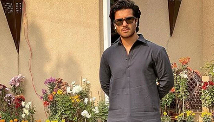 Feroze Khan marks 30th birthday celebration with note loaded with appreciation