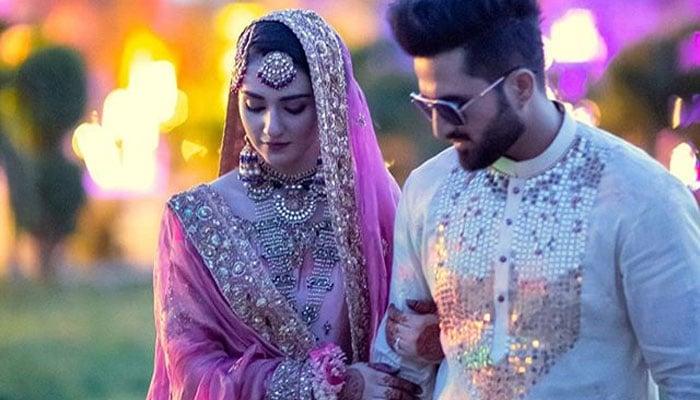 Sarah Khan shares loved-up photos with husband Falak Shabir from wedding  ceremony