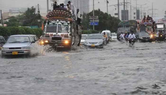 Third spell of heavy rain, thunderstorm to hit Karachi on July 26