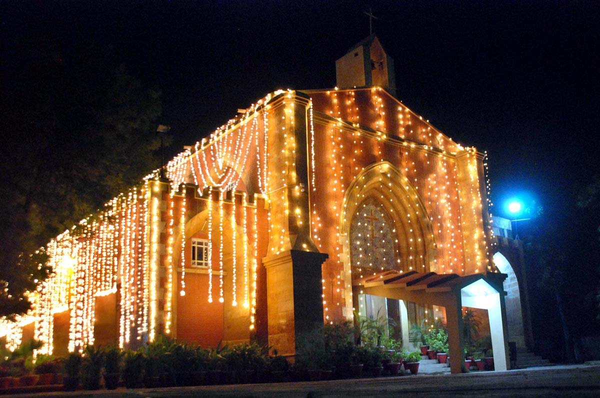 In Pictures Pakistani Churches Illuminated On Christmas