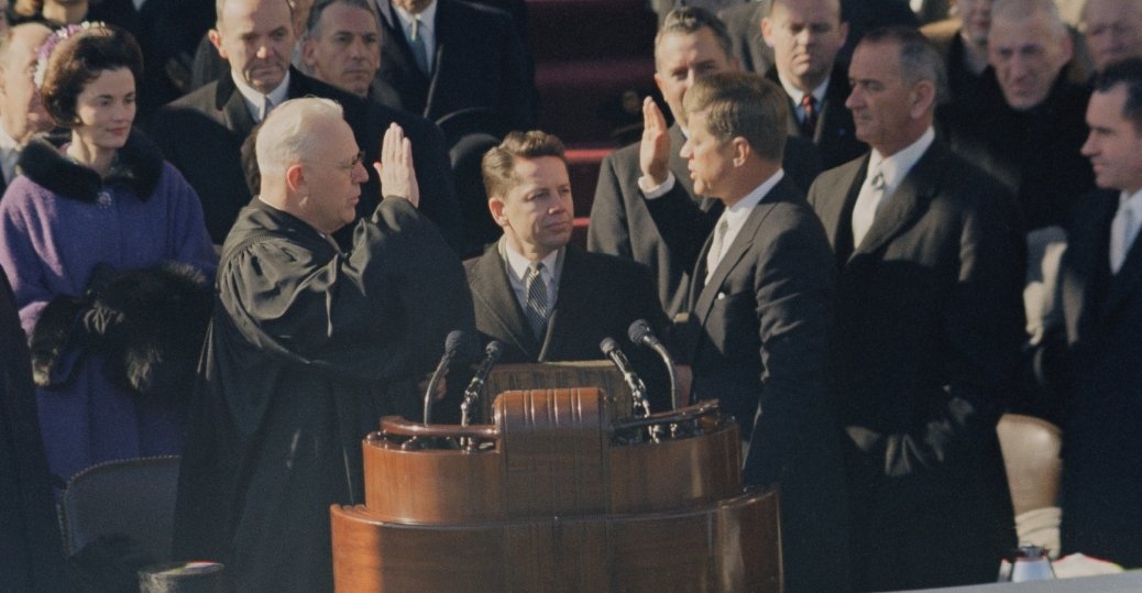 a summary of president john f kennedys inaugural speech John f kennedy inaugural address friday, january 20, 1961 heavy snow fell the night before the inauguration, but thoughts about cancelling the plans were overruled.