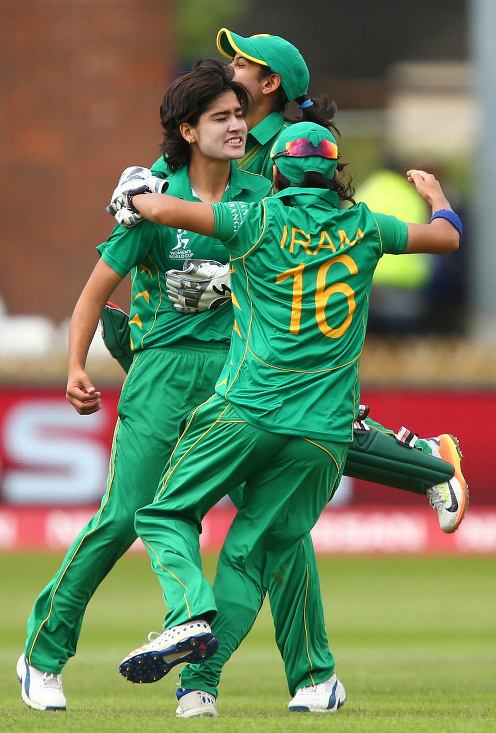 From Football Ground To Cricket S Jonty Rhodes Pakistan S