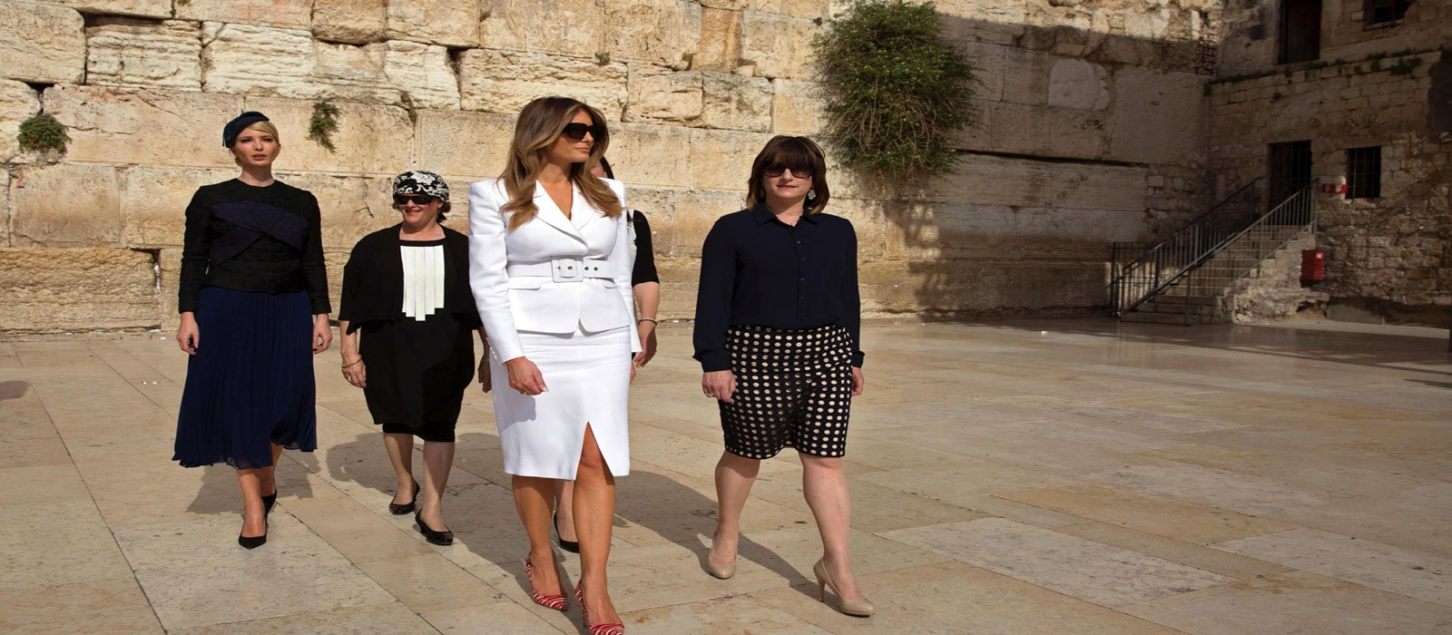 Ivanka (L) and First Lady Melania Trump (C) visit the Western Wall. Photo AFP