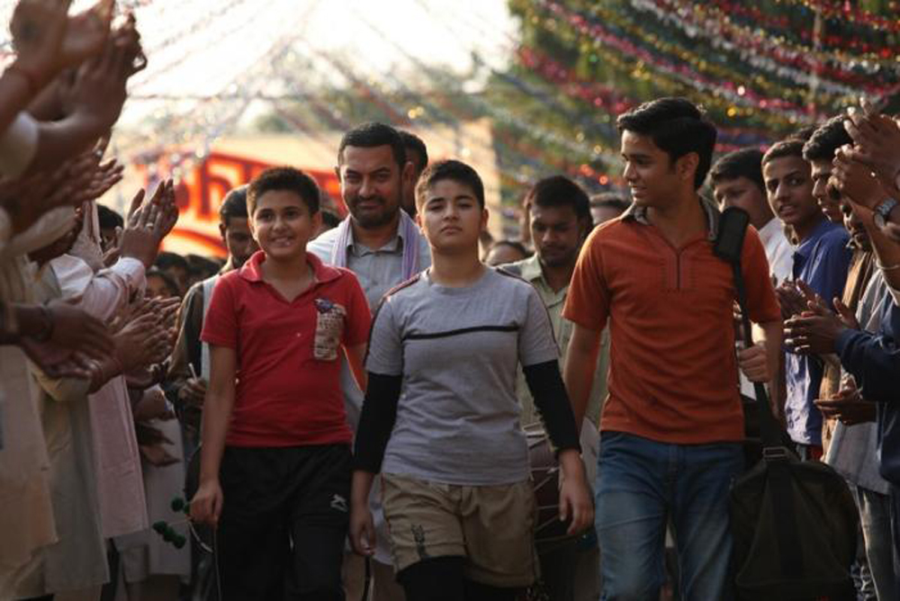 Aamir Khan's Dangal rules China, mints Rs. 1000 crore