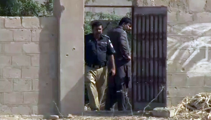 Five terrorists killed in encounter with police in Karachi