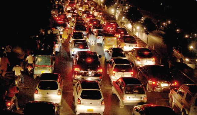 descriptive essay on busy road traffic