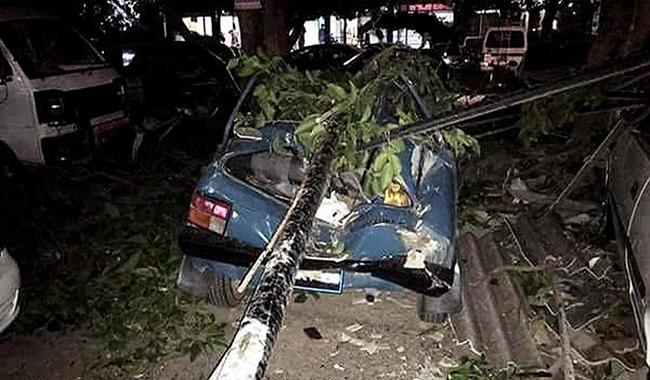 15 killed as rain, windstorms wreak havoc in parts of country