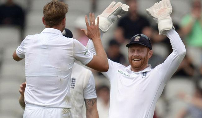 England opt against follow-on as rain comes to Pakistan's aid