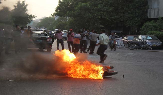 Altaf's anti-Pakistan speech ignites arson, gherao by MQM men