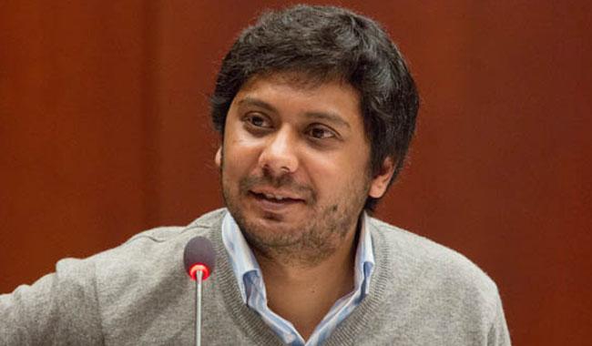 Journalist on ECL