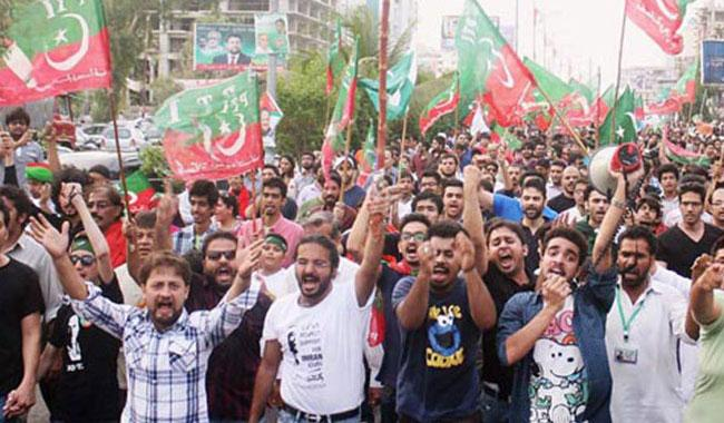 Local management impounds large containers to counter PTI protests