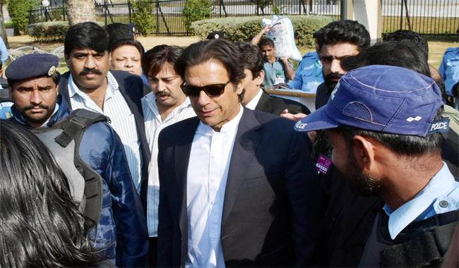 Imran threatens to take to streets if justice denied