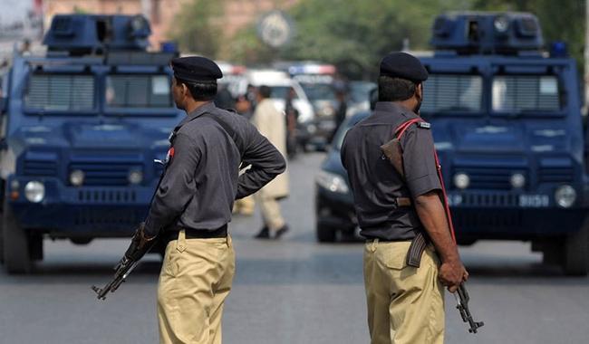 'AQIS, LeJ sleeper cells targeting cops in Karachi'