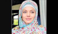 Has Lindsay Lohan converted to Islam?