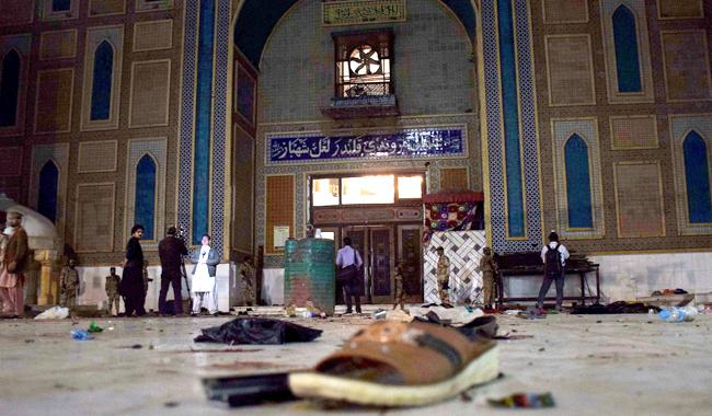 76 massacred at Qalandar's shrine
