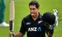 Record Taylor ton sees NZ to South Africa win