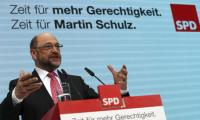 Schulz plots path to defeat Merkel