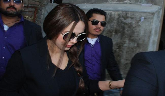 Ayyan flies to Dubai after removal of her name from ECL