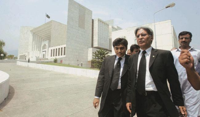 SC showed leniency by not summoning Nawaz: Aitzaz