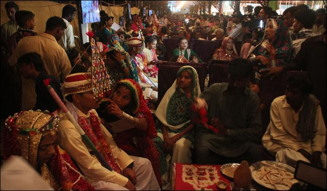 62 Hindu couples tie the knot at mass wedding ceremony