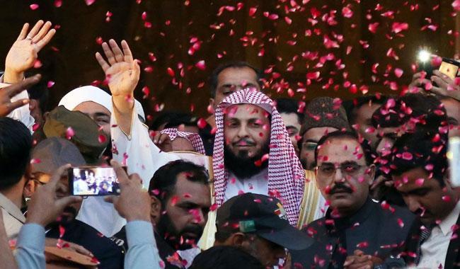 Wrong interpretation of Islam cause of terrorism, says Imam-e-Ka'aba