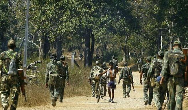 24 dead in Maoist attack on police convoy in India
