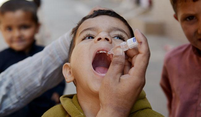 'Govt to win over parents refusing polio drops'