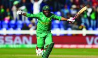 Sarfraz leads Pakistan to Champions Trophy semi-final