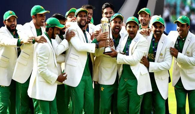 Incredible Pakistan celebrate first Champions Trophy win