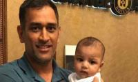 India vs Pakistan: Dhoni holds Sarfraz Ahmed's son