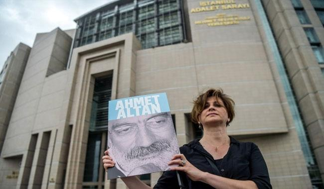 First journalists go on trial over Turkey coup bid