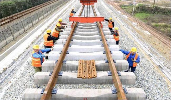 China vows fast-track upgrade of Peshawar-Karachi rail link