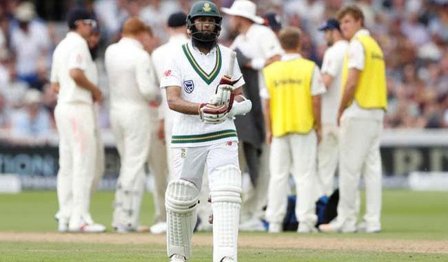Amla exits as SA grind England down