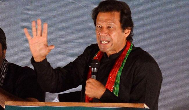 Imran warns of calling workers if Sharifs hinder justice