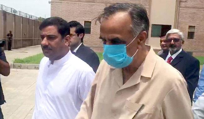 SECP chairman Zafar Hijazi arrested for tampering with record of Sharifs' companies