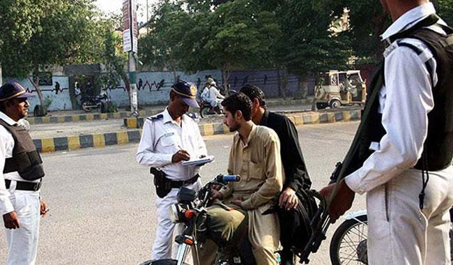 New Karachi traffic police chief plans campaigns to lay down the law