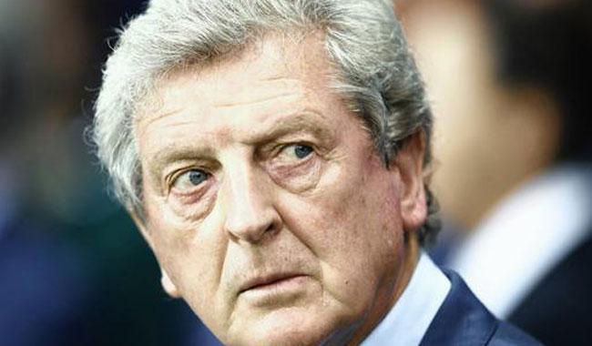 Davis ruins Hodgson's debut