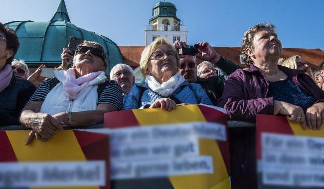 As Germany ages, 'grey vote' has younger generations worried