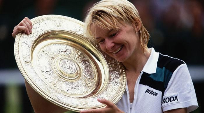 Wimbledon champion Jana Novotna dies after long battle with cancer
