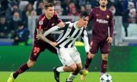 Barca, Chelsea reach last 16 as Man Utd lose