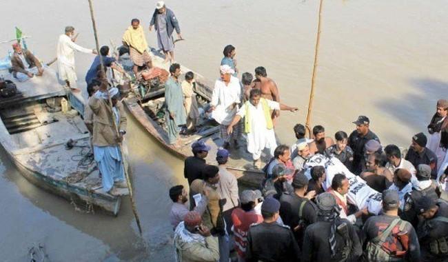 22 die as boat carrying 50 people capsizes in Thatta