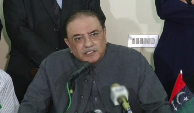 Zardari's praise for Rao Anwar draws PTI's ire