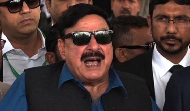 Sh Rasheed moves NAB against PM, Capt Safdar