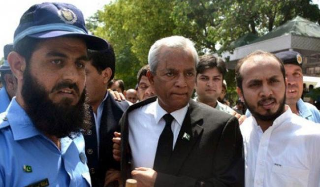 SC issues another contempt notice to Nehal Hashmi
