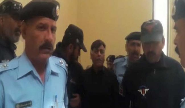 Naqeebullah murder case: Rao Anwar appears before SC, arrested, sent back to Karachi