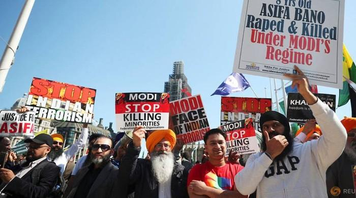 Modi confronted by angry protests in UK