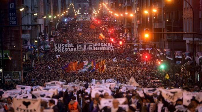 Thousands rally for ETA prisoners in Basque city