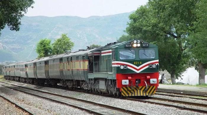China's CRCC bids for key upgradation projects of Pakistan Railways