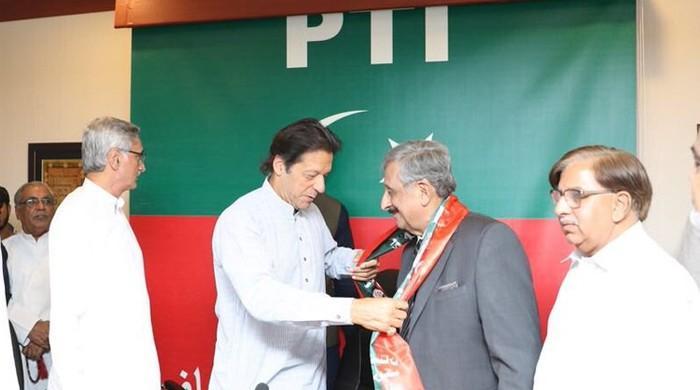 Mushahidullah Khan hails Nawaz Sharif